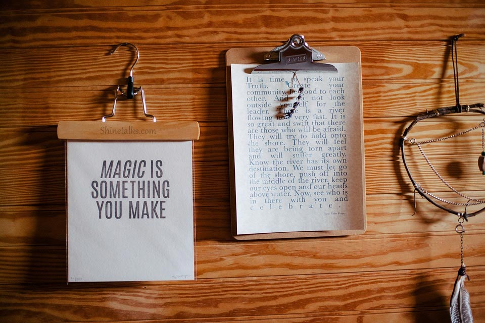 Magic quotes and pictures